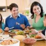 Családi étkezésekkel Tegyünk Az Elhízás Ellen!